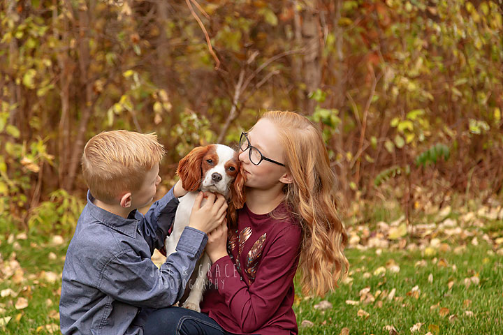 fall photo of children with their dog becker mn family photographer